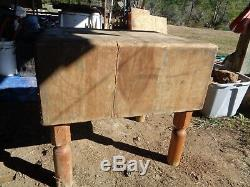 ANTIQUE VINTAGE WOODEN BUTCHER BLOCK The Real Thing with Knive Holder