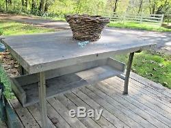 Îlot De Cuisine En Bois De Boucherie Industriel Vintage. Table. Table De Travail