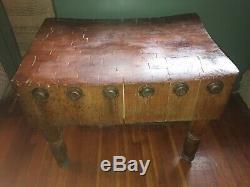 Rare Vintage En Bois Massif Butcher Block Table Révisée Photos