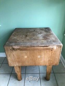 Table De Bloc De Boucher Antique. Vintage Butcher Block 29x29x34