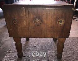Table De Bloc Du Boucher Antique/vestige, Originalement Sorti D'un Magasin Avant Jaune