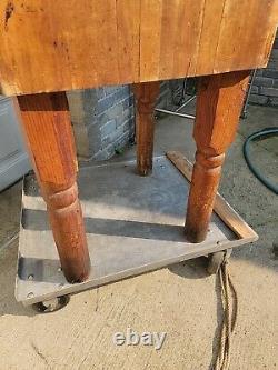 Table De Blocs De Boucher Vintage Du Grand Marché Réveillez-vous Détroit